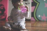 Nûby Oefenbeker met zachte tuit Swirl 240 ml roze-Afbeelding 1
