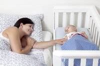 Troll Wieg Bedside Crib wit