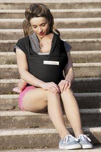 ... Je porte mon bebe Écharpe de portage extensible Basic black-Image 4 ... d14f61a98f9