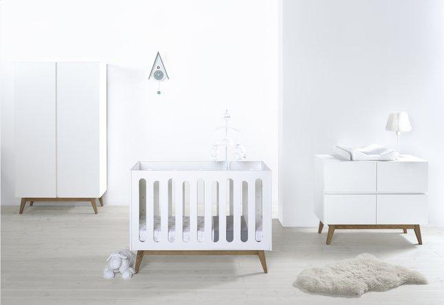 Deuren Voor Kinderkamers : Quax delige babykamer met kast met deuren trendy white dreambaby