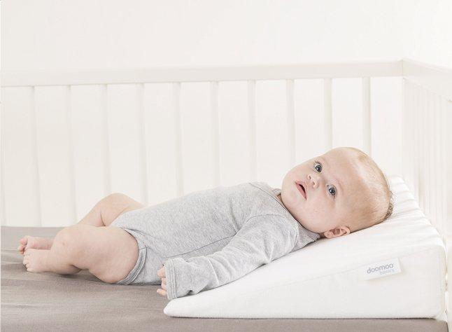 Domo Kussen Baby : Doomoo basics hellend kussen rest easy large dreambaby