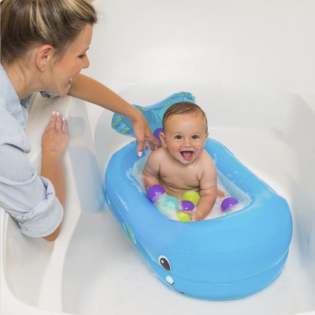 Infantino piscine pour b b avec 10 balles whale bubble for Piscine de balle pour bebe